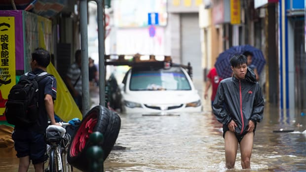 Typhoon Hato Washes Out Macau With 124 mph Winds, Dries Out Casino Stocks