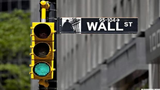 Midday Report: Stocks Turn Higher as Big Banks' Earnings Beat Wall Street's Expectations