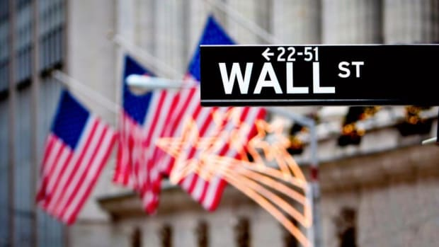 Wall Street Finishes in the Red as Tax Reform Concerns Weigh