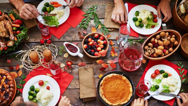 5 Ways to Keep Your Pocket Fat on Thanksgiving