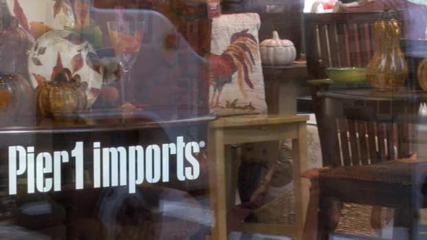 Pier 1 Imports, Southwest Warn on Hurricane Damage, Stocks Turn Mixed