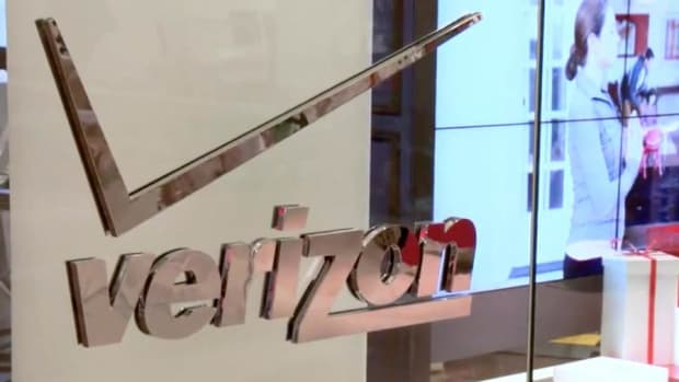 Jim Cramer: Sprint and T-Mobile Are Taking Share From Verizon