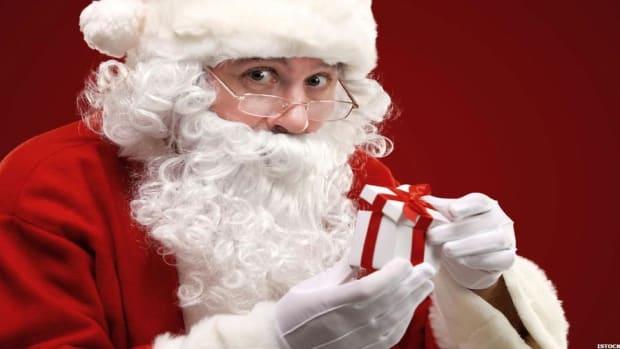 Christmas Movies to Watch - Netflix, Hallmark, Hulu, Amazon, Freeform and more