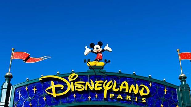 Disney to Delist its Struggling Paris Theme Park