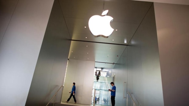 What to Expect From Apple's Quarterly Results Tuesday