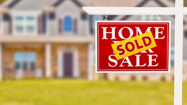 Midday Report: New Home Sales Beat Sharp Retreat; White House Proposes Cuts