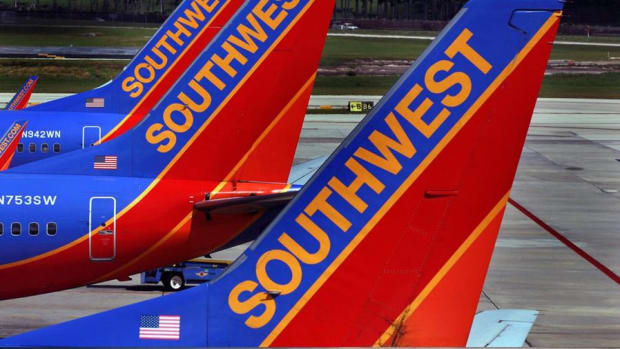 Jim Cramer on Southwest: This Is the Chance to Buy Warren Buffett's Airline