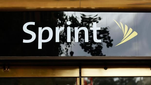 Closing Bell: Sprint Spikes on Investment Talk; Dow, S&P 500 at Records