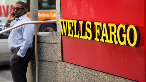 Security Contract Raises Questions About Wells Fargo Board Member's Independence