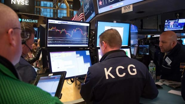 Midday Report: S&P 500's Record Run at Risk; Crude Oil Prices Slide, Drag on Wall Street