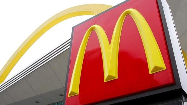 Jim Cramer Reacts to McDonald's, 3M and Caterpillar's Earnings