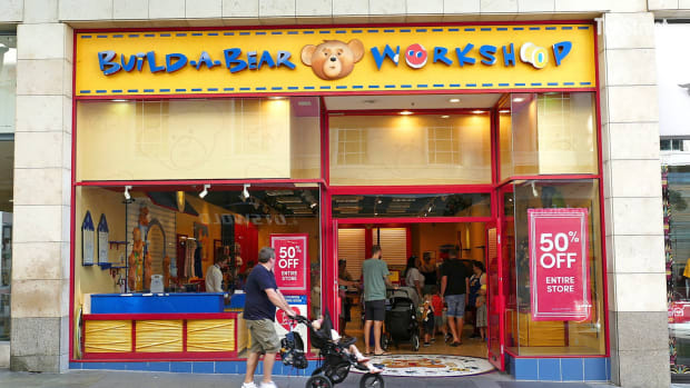 12-09-19_JS_BUILD A BEAR.00_00_00_00.Still001
