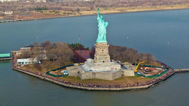 10 statue liberty new york Eliyahu Yosef Parypa : Shutterstock