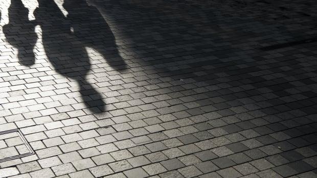 shadow lenders sh