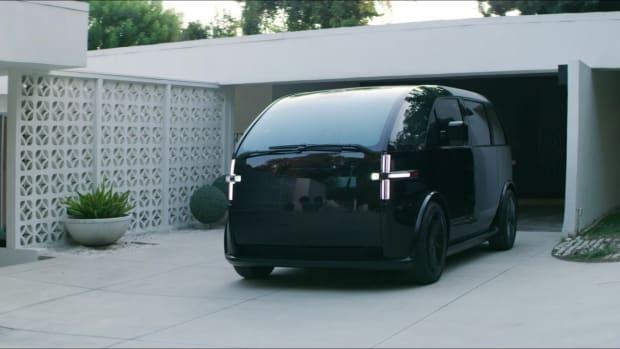 Canoo_Electric_Car-5f3c152171c30002b05ce1ae_1_Aug_18_2020_19_16_20_poster