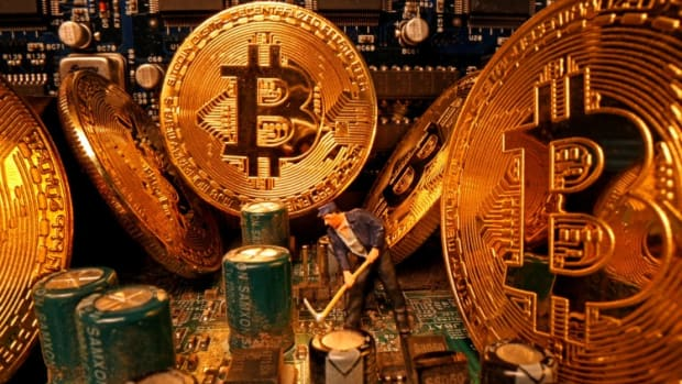 Bitcoin Ads Bash Banks As Fears Mount Over Sanctions Restricting Access To US Dollar Payment System