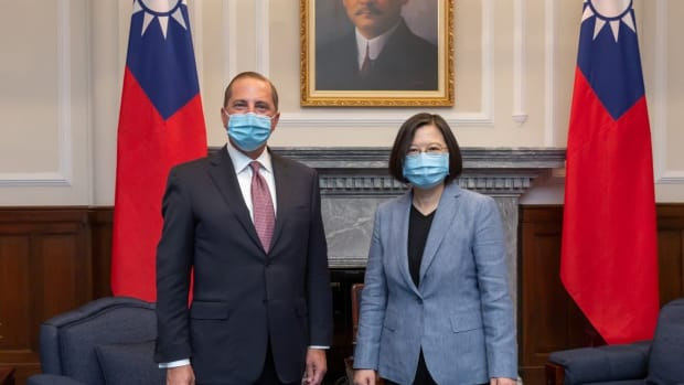US Secretary of Health and Human Services Alex Azar meets Taiwanese President Tsai Ing-wen on August 10. Photo: Taiwan Presidential Office via Reuters