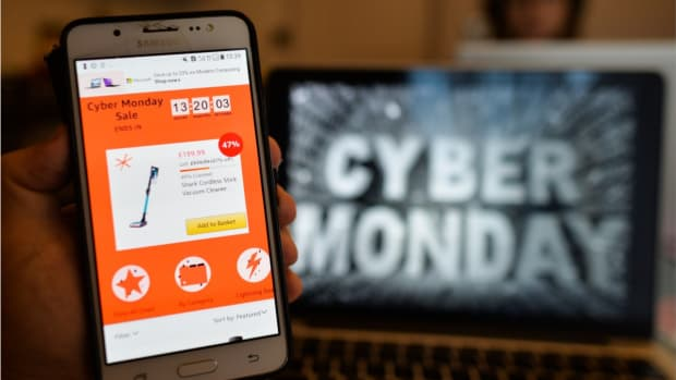 Cyber_Monday_WOCHIT