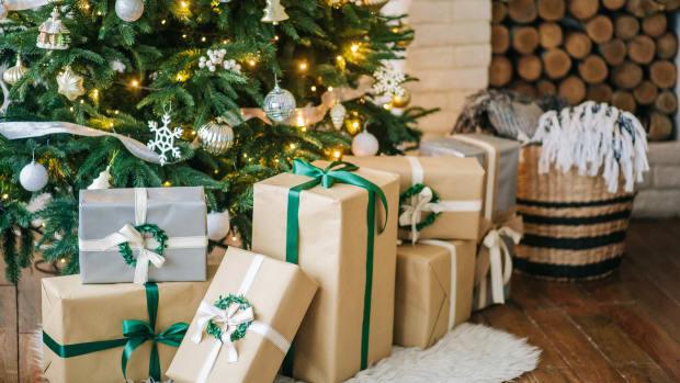 holiday christmas gifts shopping sh