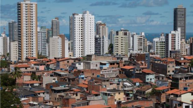 2020-12-14-OECDdevmatters-middle-income-brazil-shutterstock_765802237