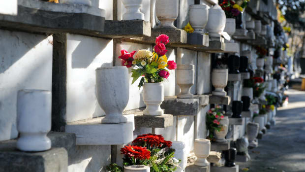 points dead death urn estate sh