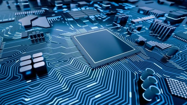 US Blacklists 60 More Chinese Firms Including Top Chip Maker SMIC
