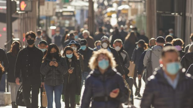 usa crowd masks social progress sh