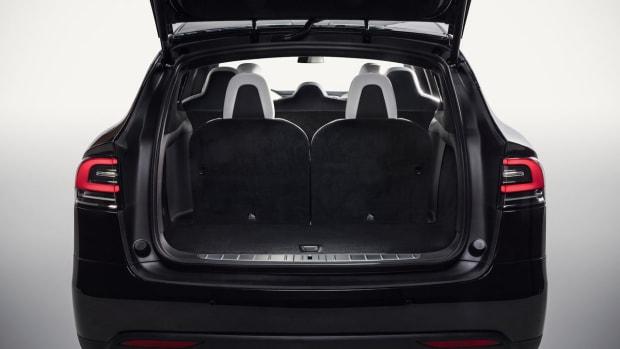 Model X 7-Seater Storage