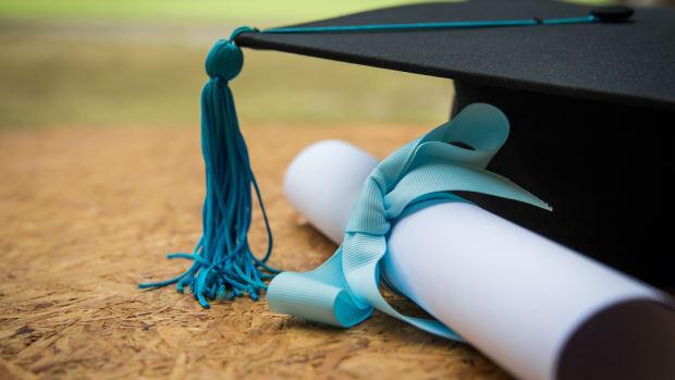 college grad student loan sh