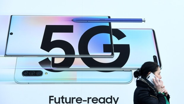 Huawei said it would be willing to transfer its 5G technology but will never give up its premium smartphone business. Photo: EPA-EFE