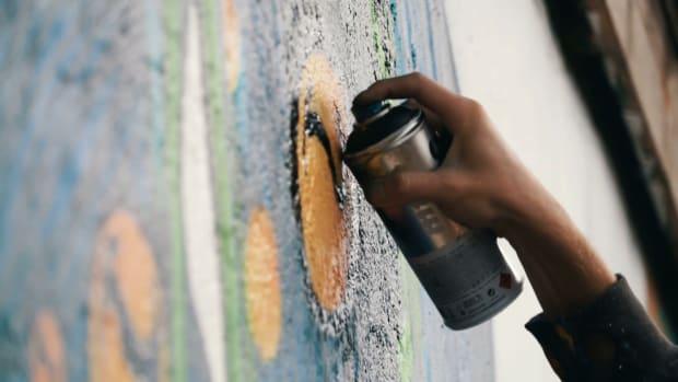 videoblocks-graffiti-artist_Still001