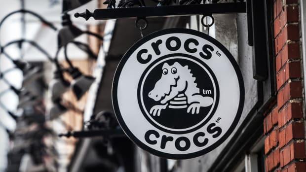 Crocs Lead