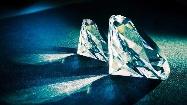 Diamonds Lead