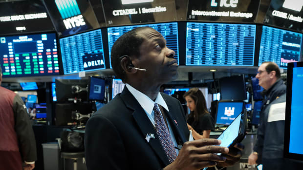 Trader New York Stock Exchange Lead