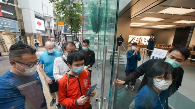 Quiet Hong Kong Launch For IPhone SE 2020 Amid Coronavirus Retail Woe