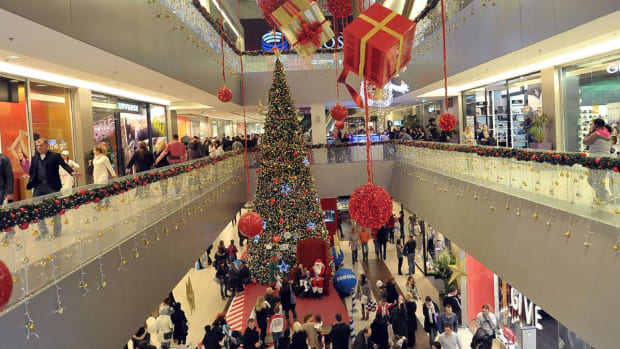 Happier Holidays: How to Keep a Lid on Your Spending