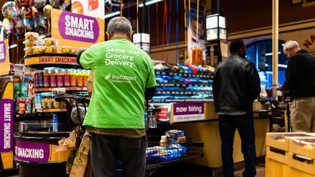 11 instacart grocery deliver Kristi Blokhin : Shutterstock