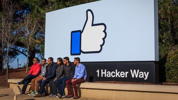 5 Facebook achinthamb : Shutterstock