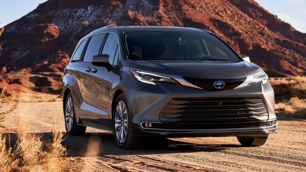 2021 Toyota Sienna Minivan Lead