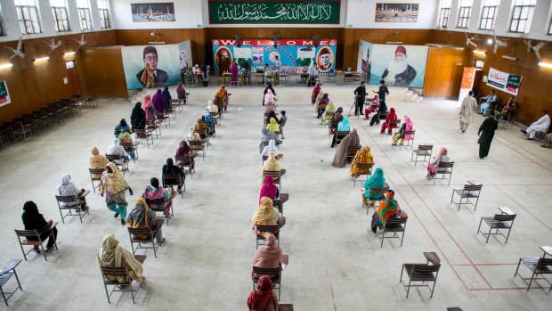 19 pakistan A M Syed : Shutterstock
