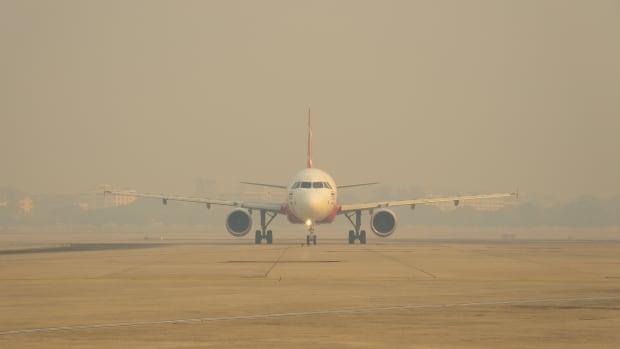 5b air aviation pollution plane sh