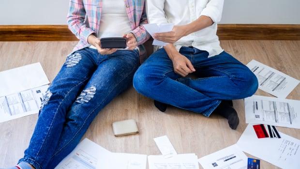 millennial bills credit debt sh