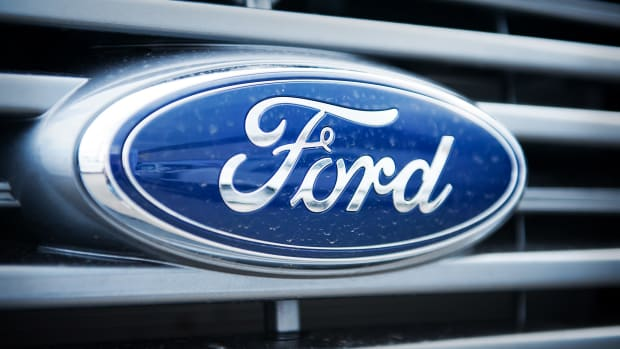 Ford Logo Lead Graphic