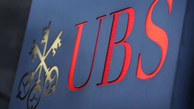 A logo of the Swiss bank UBS displayed in front of its branch in Düsseldorf in Germany. Photo: Picture Alliance / dpa