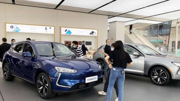 Huawei Starts Selling Smart Cars In Flagship Stores Across China To Offset Smartphone Losses
