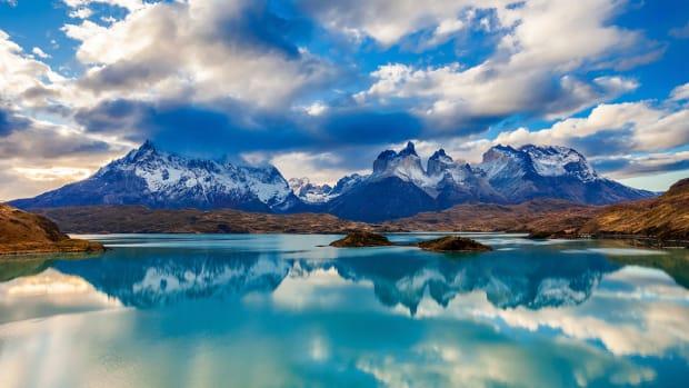 x Chile Torres del Paine National Park sh