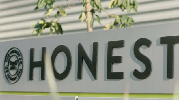 The Honest Company sign Lead