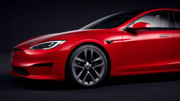 Tesla Model S Plaid Lead