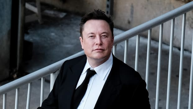 Elon Musk Lead