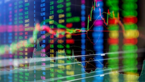 Hong Kong Stocks Snap Three-day Winning Streak Before Report Signalling China Slowdown Risks